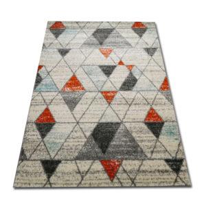 dywan w trójkąciki
